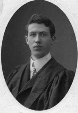 Photograph of Robert John MacInnis : Class of 1905