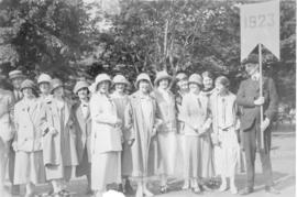 Photograph of members of the class of 1923 at a Dalhousie alumni procession
