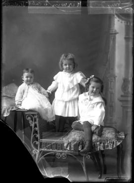 Photograph of the children of Mrs. John Kirwin
