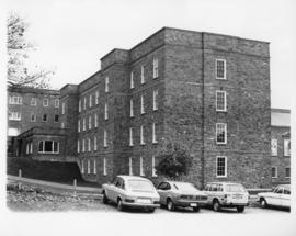 Photograph of the exterior of Howe Hall