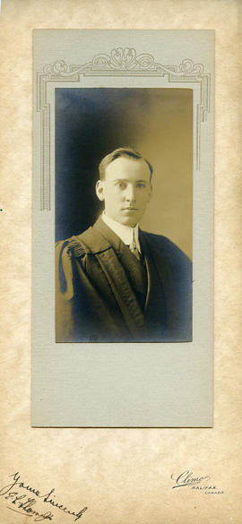 Photograph of Edward Lefforts Thorne Jr.