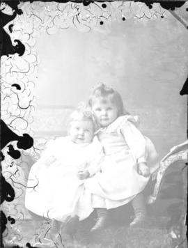 Photograph of daughters of Peter Graham