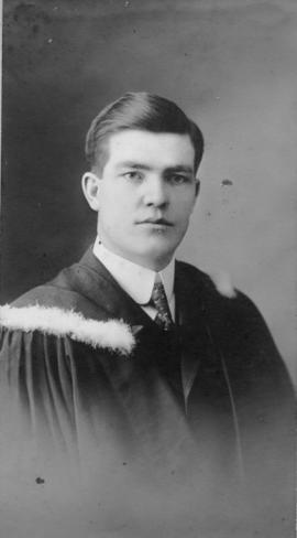 Photograph of John Philip MacIntosh : Class of 1910