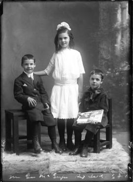 Photograph of Mrs. George McGregor's children