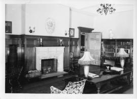 Photograph of the Shirreff Hall library