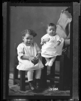 Photograph of the children of Mrs. Norman Williams