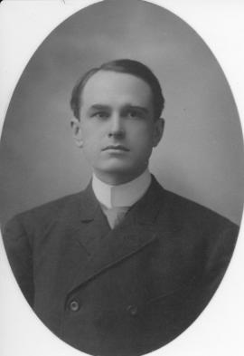 Photograph of Murray Macneill