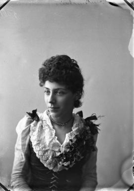 Photograph of Carrie Sinclair