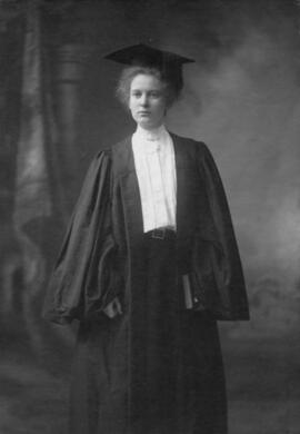 Photograph of Barbara Lois MacKay : Class of 1907