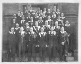 Photograph of the Nova Scotia Technical College graduating class of 1933