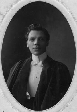 Photograph of George Claremont Taylor : Class of 1906