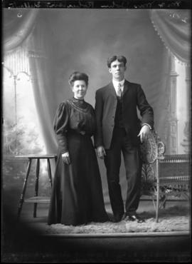 Photograph of Mr. & Mrs. John Robertson