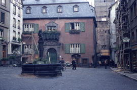 Photograph of buildings and fountain in Cochem