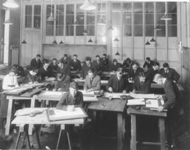 Photograph of an architecture drawing class