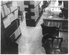 Photograph of Medical-Dental Library reference collection in attic of 5963 College Street location