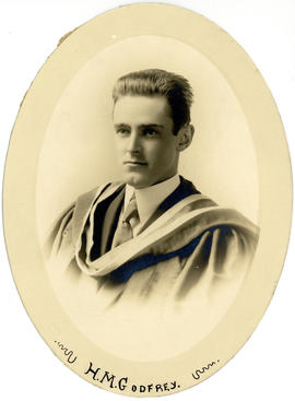Portrait of Henry Munn Godfrey : Class of 1915