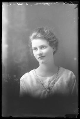 Photograph of Leola Campbell