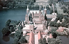 Photograph of Frederiksborg Castle (Slot), aerial view