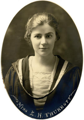 Portrait of Elizabeth Hope Thurrott : Class of 1922