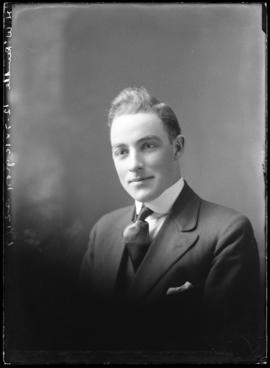 Photograph of H. W. Rundle