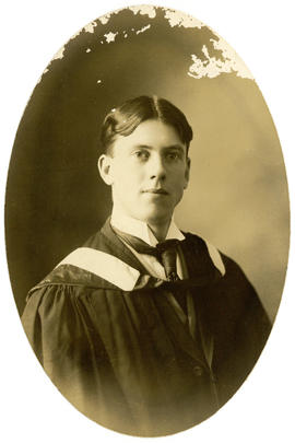 Portrait of Peter Winfred Smythe MacDonnell : Class of 1910