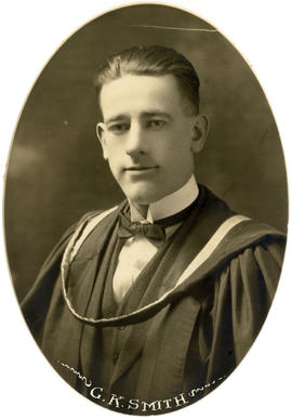 Portrait of Gordon Kent Smith : Class of 1922