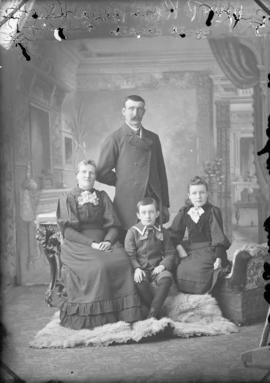 Photograph of William P. Ross and family