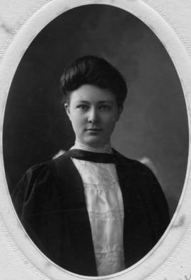 Photograph of Mary Gladys Lawrence : Class of 1906