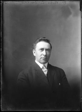 Photograph of Dr. Robert McDonald