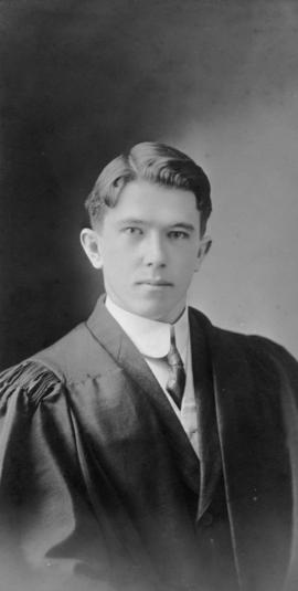 Photograph of Lewis Murdoch Thompson : Class of 1910