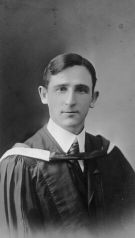 Photograph of Alexander Kerr Roy : Class of 1910