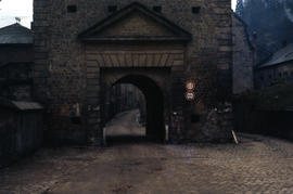 Photograph of an arch over a pathway
