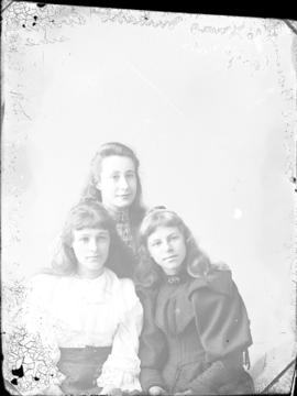 Photograph of  Mabel Grenough and two young girls