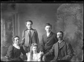 Photograph of the family of William Weir
