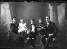 Photograph of the family of Alex Munroe