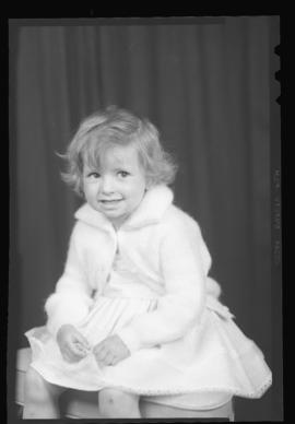 Photograph of the DeYoung child from the Woolworth contest