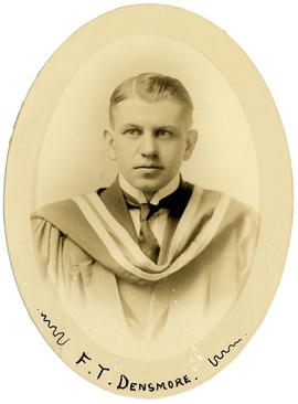 Portrait of Frederick Thompson Densmore : Class of 1915