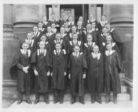 Photograph of the Nova Scotia Technical College graduating class of 1932