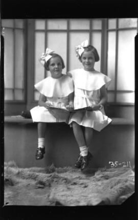 Photograph of the daughters of Mrs. Keith Tanner