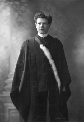 Photograph of William MacPherson : Class of 1906