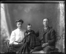 Photograph of Duncan Daniel Holmes and family