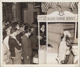 Photograph of Ellen Ballon helping with the American Red Cross Blood Donor Service