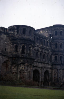 Photograph of the Porta Nigra from the side, vertical