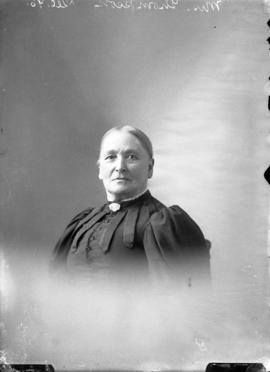 Photograph of Mrs. Thompson