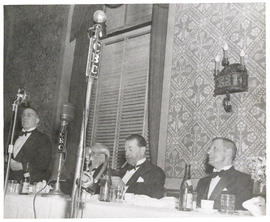 Photograph of distinguished guests at the 1947 Convocation Dinner