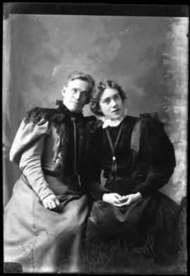 Photograph of Mrs. & Miss Foot