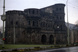 Photograph of the Porta Nigra from the side