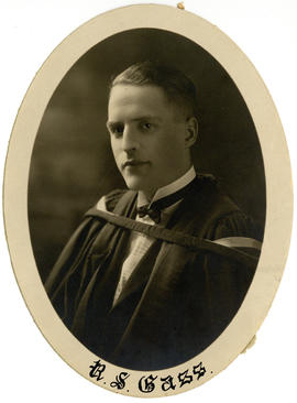 Portrait of Roydon Simpson Gass : Class of 1925