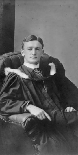 Photograph of William Charles Ross : Class of 1910