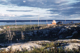 Photograph of transmission towers and buildings in Fort Chimo, Quebec